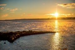 Nascer do sol da manhã sobre o Lago Huron Foto de Stock