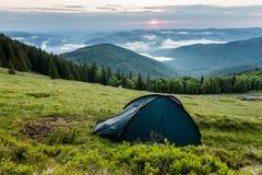Nascer do sol da manhã nas montanhas Fotografia de Stock