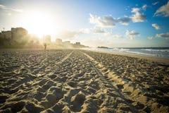 Nascer do sol da praia de Ipanema Fotos de Stock Royalty Free