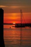 Nascer do sol de Annapolis na doca da cidade fotografia de stock