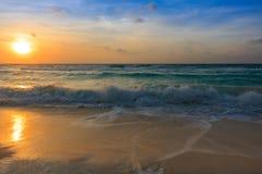 Nascer do sol de Cancun Imagem de Stock