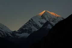 Nascer do sol de Khumbila Khumbi Yul Lha da montagem Imagem de Stock