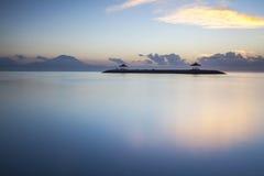 Nascer do sol de Sanur, ilha de Bali de Indonésia Imagem de Stock