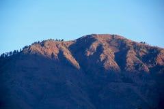 Nascer do sol de surpresa em montanhas de Manali fotografia de stock royalty free
