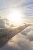 Nascer do sol de um avião Imagens de Stock