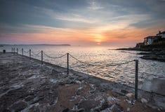 Nascer do sol difundido, Portscatho, Cornualha imagens de stock