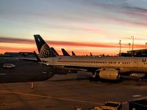 Nascer do sol do aeroporto Imagens de Stock