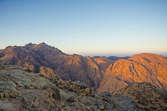 Nascer do sol do deserto de Moses da montagem Fundo da natureza com céu e rochas Fotografia de Stock