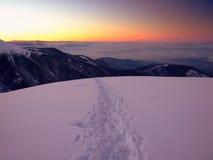 Por do sol majestoso na paisagem da montanha do inverno Fotos de Stock Royalty Free