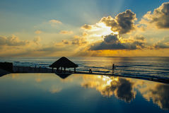 Nascer do sol do recurso do oceano Imagem de Stock Royalty Free
