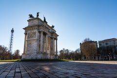 Nascer do sol do ritmo do della de Arco (Porta Sempione) em Milan Italy Travelin Imagens de Stock