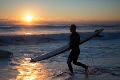 Nascer do sol do surfista Imagens de Stock