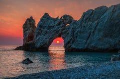 Nascer do sol dramático em Skiathos, Lalaria em greece fotos de stock