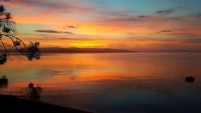 Nascer do sol dramático sobre a ilha de Bruny fotografia de stock