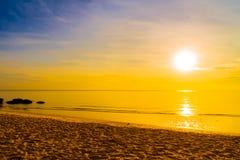Nascer do sol e mar Fotografia de Stock