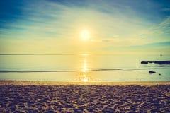 Nascer do sol e mar Fotografia de Stock Royalty Free