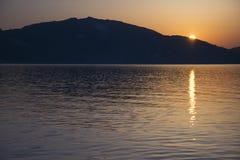 Nascer do sol em Laganas Zakynthos, Grécia Imagem de Stock