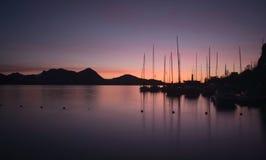 Nascer do sol em Lago Maggiore - Itália foto de stock