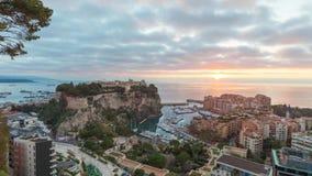 Nascer do sol em Mônaco: vídeo do lapso do zumbido a tempo vídeos de arquivo