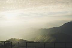Nascer do sol em montanhas Fotos de Stock Royalty Free