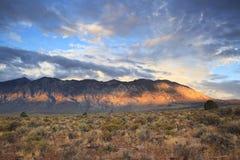Nascer do sol em montanhas de Califórnia Foto de Stock Royalty Free