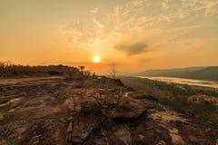 Nascer do sol em Pha Taem Tailândia fotografia de stock royalty free