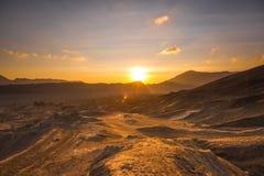 Nascer do sol em um deserto fotografia de stock