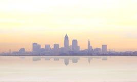 Nascer do sol enevoado em Cleveland Fotografia de Stock Royalty Free