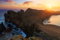 Nascer do sol escuro Madeira foto de stock royalty free