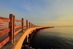 Nascer do sol Indonésia do cais Fotos de Stock Royalty Free