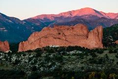 Nascer do sol máximo dos piques Imagem de Stock Royalty Free