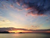 Nascer do sol na baía do trang do nha Imagens de Stock Royalty Free