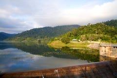 Nascer do sol na barragem Imagem de Stock