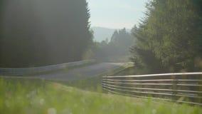 Nascer do sol na estrada video estoque