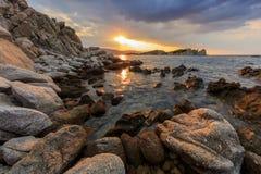 Nascer do sol na ilha de Ammouliani, Grécia Fotografia de Stock Royalty Free