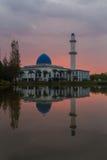 Nascer do sol na mesquita Putrajaya de UNITEN Fotografia de Stock Royalty Free