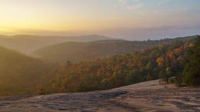 Nascer do sol na montanha de pedra Imagens de Stock
