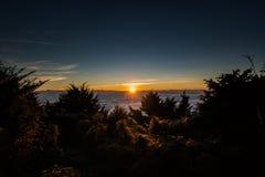 Nascer do sol na parte superior da montanha Fotografia de Stock