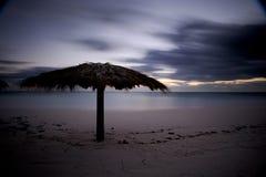 Nascer do sol na praia Imagens de Stock Royalty Free