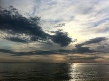 Nascer do sol na praia Foto de Stock