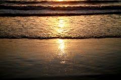 Nascer do sol na praia de Copacabana Fotos de Stock