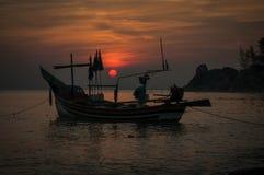 Nascer do sol na praia de Kaoseng, Songkhla, Tailândia Imagem de Stock Royalty Free