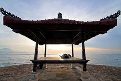 Nascer do sol na praia de Sanur, Bali Imagem de Stock Royalty Free