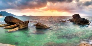 Nascer do sol na praia do lamai Foto de Stock Royalty Free