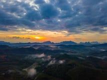 Nascer do sol na província do nga de Phu Ta Tun Viewpoint Phang fotografia de stock royalty free