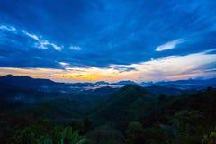 Nascer do sol na província do nga de Phu Ta Tun Viewpoint Phang fotografia de stock