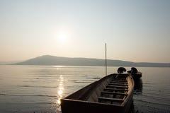 Nascer do sol na represa de Ubonrat fotografia de stock