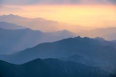 Nascer do sol nas montanhas Imagem de Stock