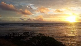 Nascer do sol nas nuvens Fotos de Stock