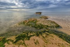 Nascer do sol nebuloso do mar da beleza Foto de Stock Royalty Free